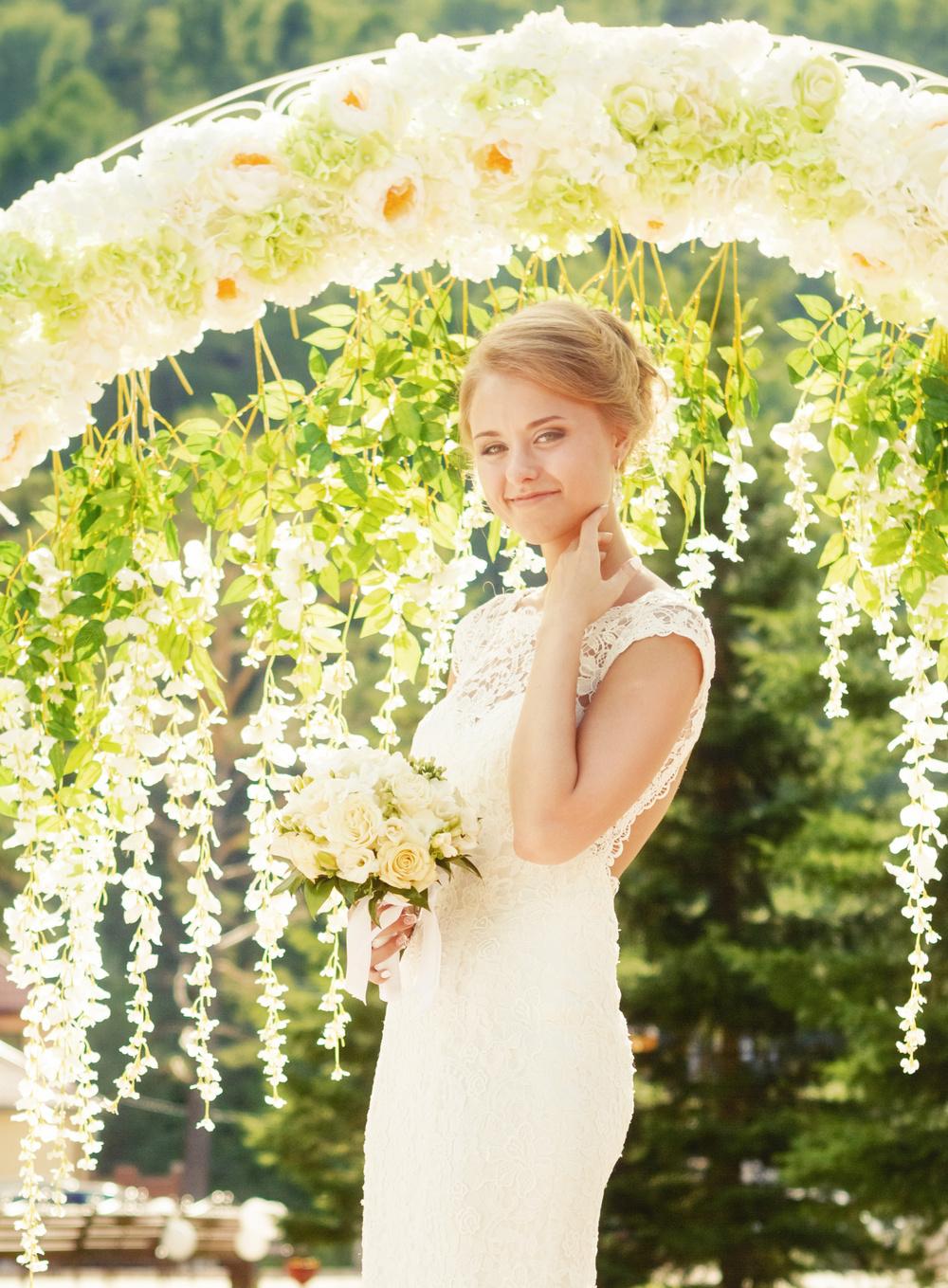 свадебная церемония Красноярск свадьба невеста место  фотограф арка