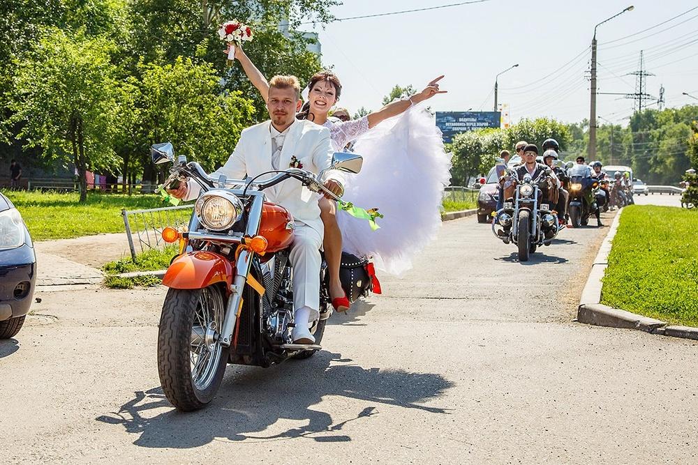 свадебное фото фотограф в Красноярске свадьба байк