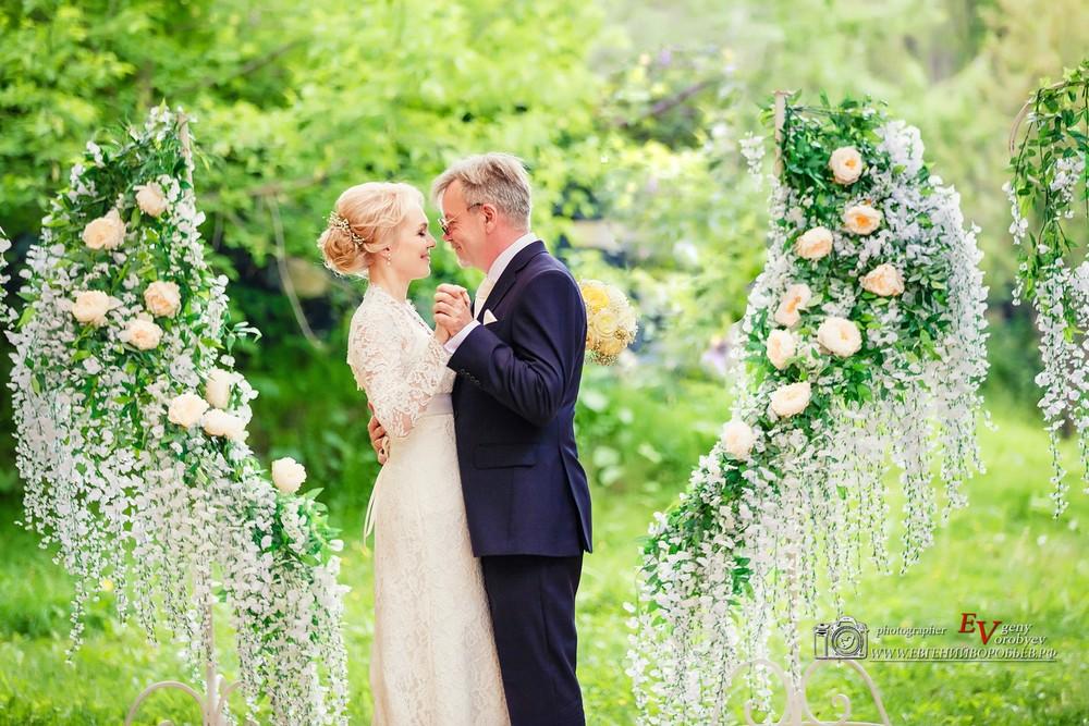 Свадебное фото фотограф в Красноярске красивые места идея платье визажист