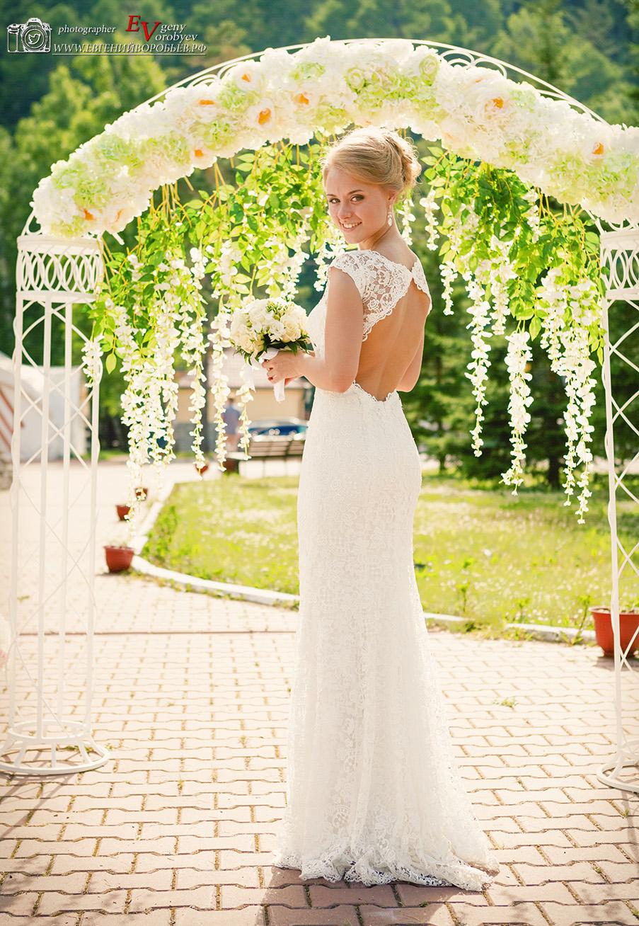 свадебная церемония Красноярск свадьба невеста место  фотограф выездная регистрация арка