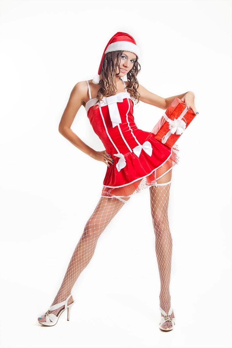 новогодняя фотосессия Красноярск фотостудия идея эротическая девушка образ лук ёлка подарок
