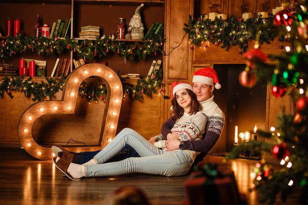 новогодняя фотосессия Красноярск фотостудия идея образ лук одежда декор елка подарок