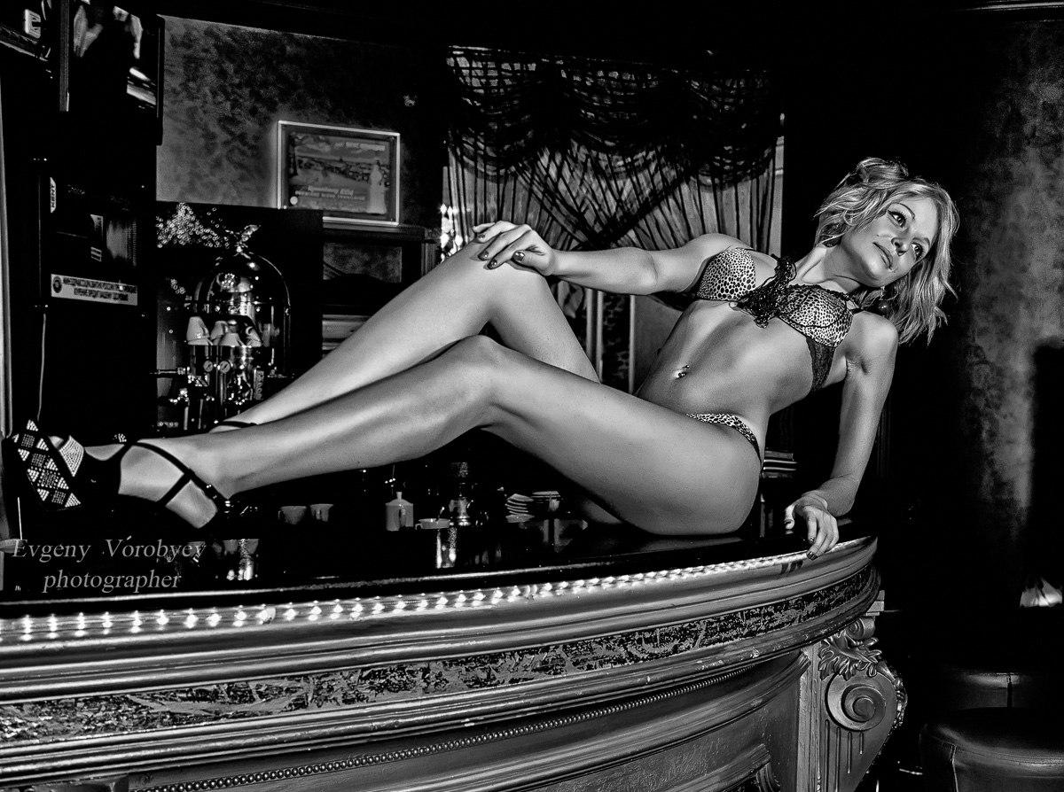 фотограф фотосессия Красноярск красивая девушка белье эротика трусики клуб сексуальная