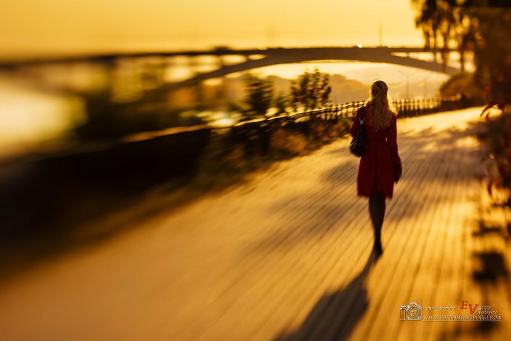 фотограф фотосессия Красноярск красивая девушка платье Енисей набережная идея место образ