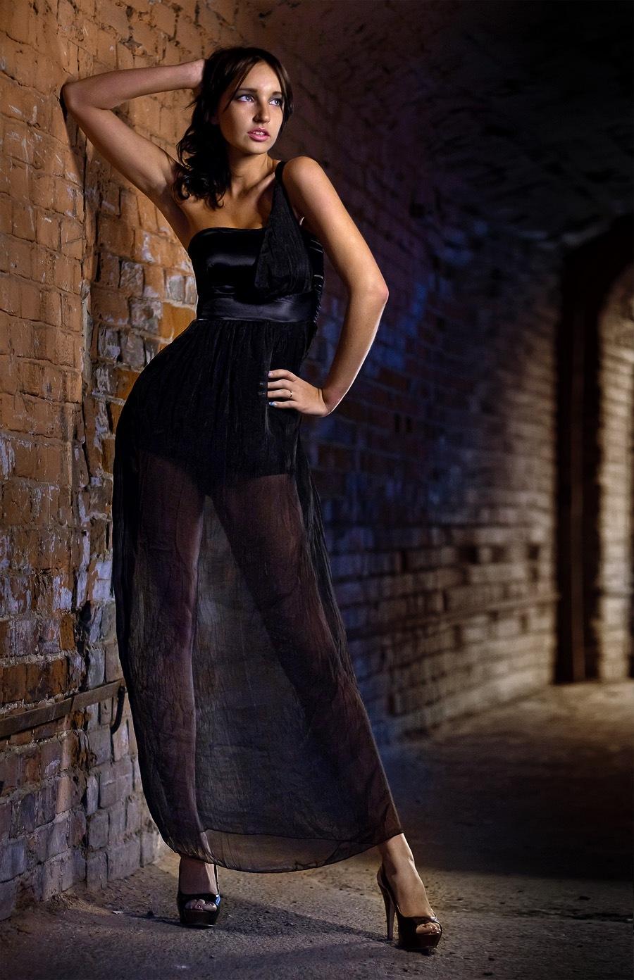 фотограф фотосессия Красноярск красивая девушка платье Енисей набережная идея место макияж