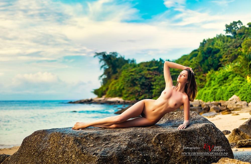 nu girl phuket эротическое фото фотограф ню обнаженная девушка море пляж голая грудь