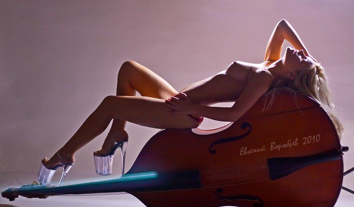 фото обнаженной девушки ню эротика голая грудь сексуальная красивая попа фотограф красноярск