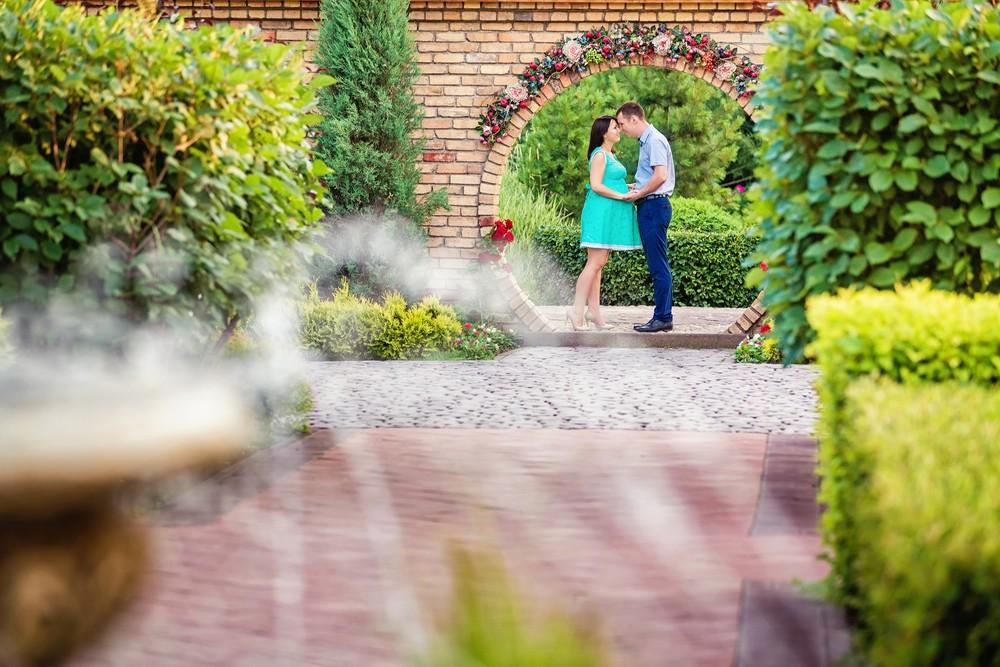 беременная фотосессия фотограф Красноярск девушка в ожидании чуда пара сады мечты
