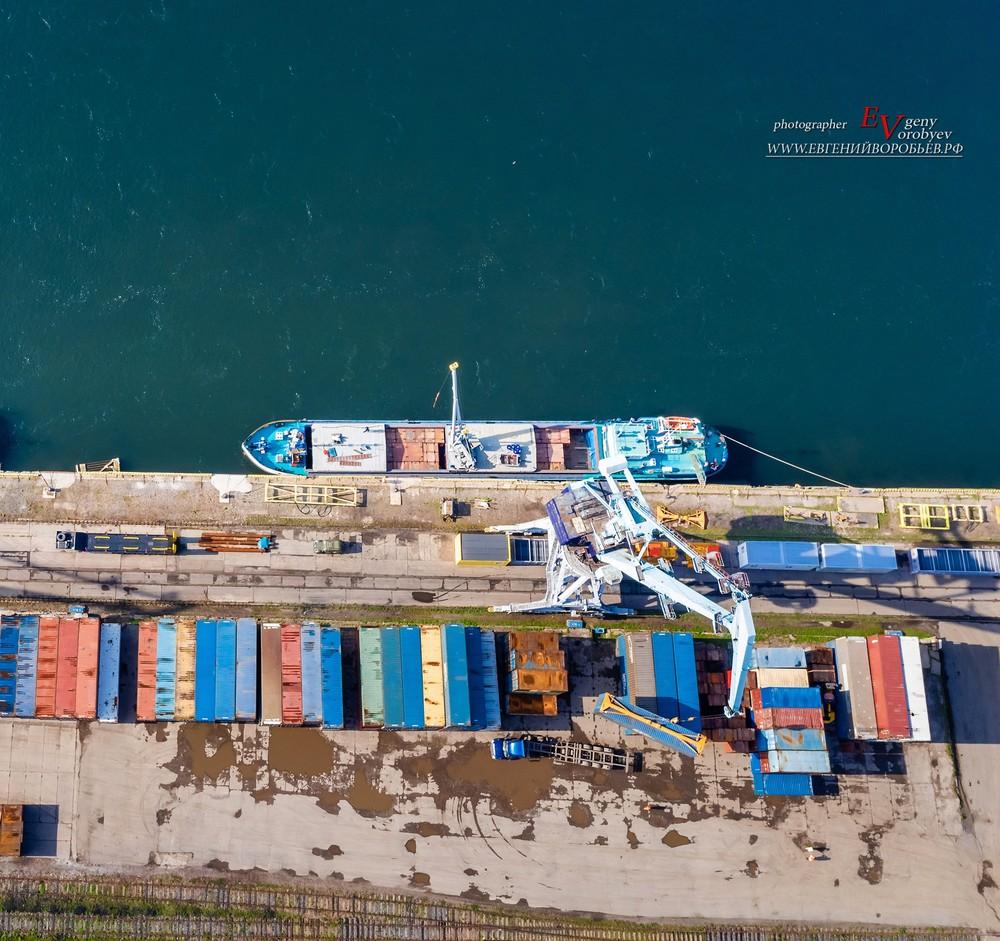 Енисей корабль порт кран промышленная фотосъемка Красноярск контейнер перевозка