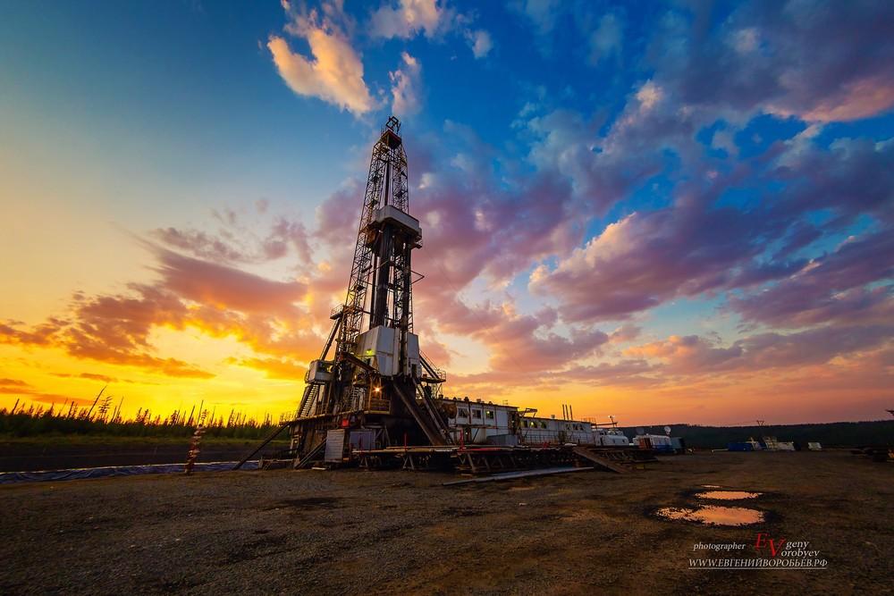Роснефть буровая нефть закат Сибирь промышленная фотосъемка Красноярск Ванкор