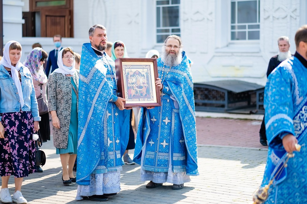 крестный ход успенский мужской монастырь Красноярск патриарх Енисей икона праздник