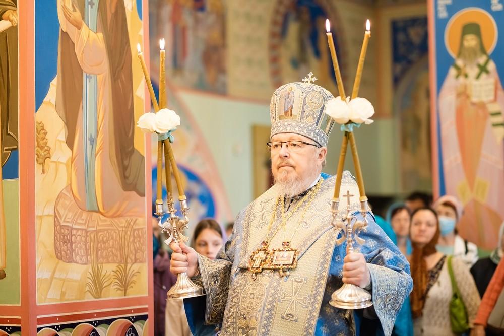 митрополит Красноярский и Ачинский Пантелеимон успенский мужской монастырь Енисей храм церковь монах