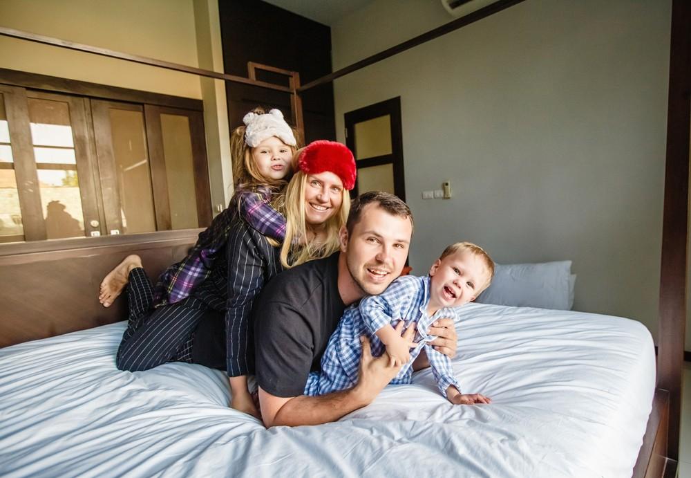 пижамная фотосессия детский семейный фотограф Красноярск цена стоимость заказать