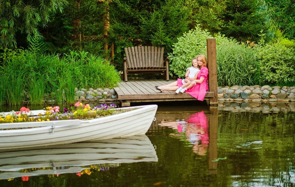 семейная детская фотосессия фотограф Красноярск красивая парк сады мечты место татышев енисей идея