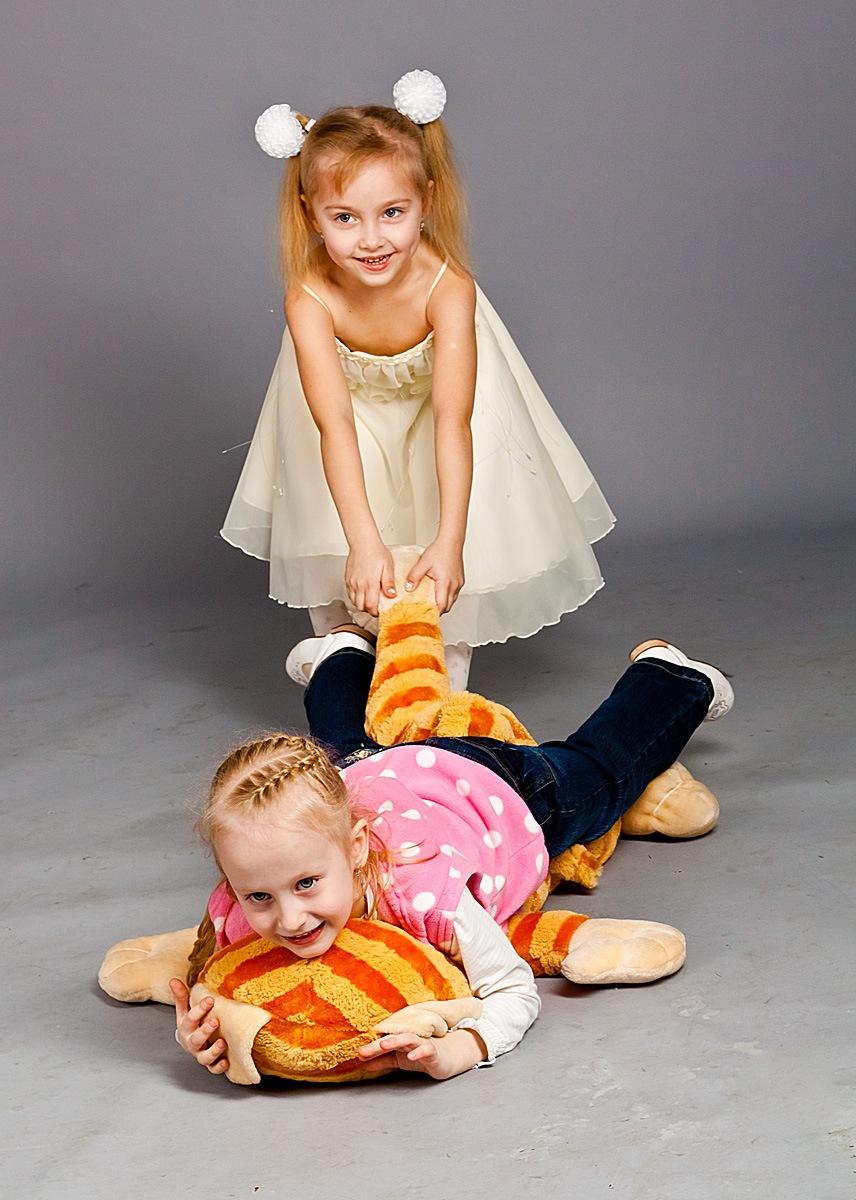 детская фотосессия лучший фотограф фотостудия Красноярск красивая девочка