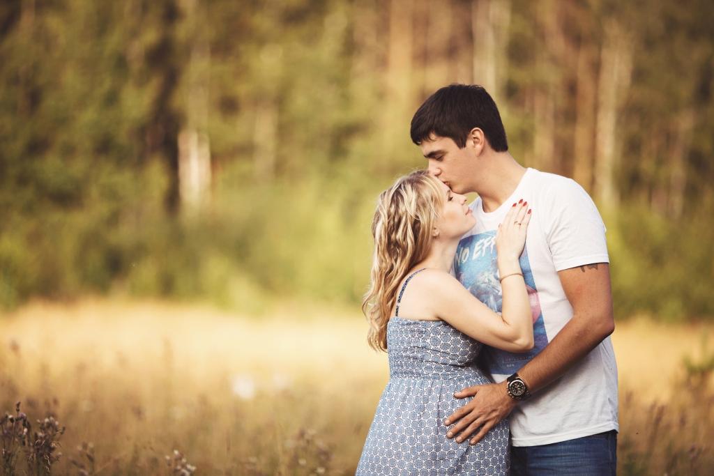 В ОЖИДАНИИ - Rita & Kirill - Фотосессия от семейных фотографов Краснобродских пары Рита и Кирюша в ожидании своего малыша