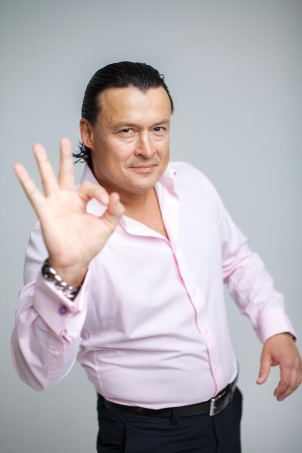 Деловой портрет шоумен Дмитрий Синицын
