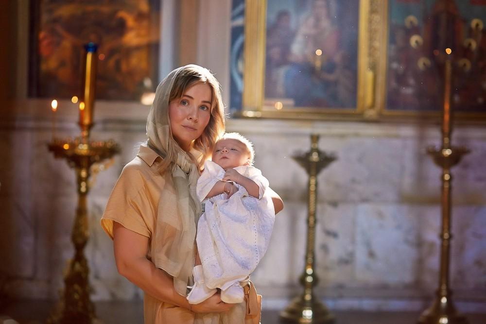 фотосъемка крещения, фотограф на крещение, храм Пресня, фотограф крестины, съемка крещение