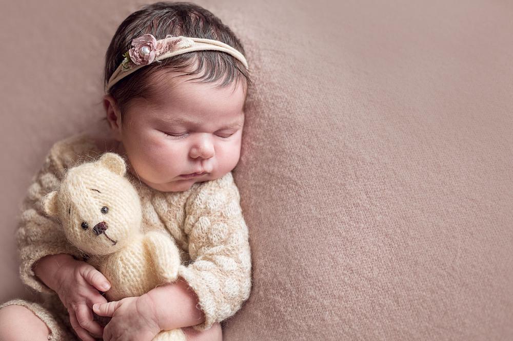 новорожденная девочка, фотограф воронеж, подарок на выписку, фотосессии новорожденных, фотосессия с