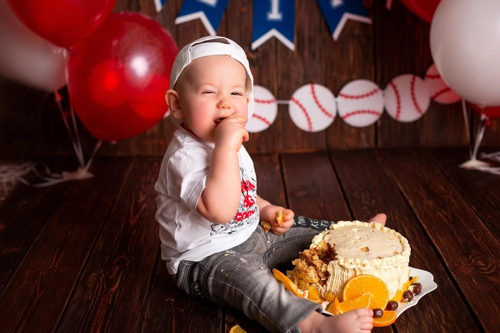 крушение тортика воронеж, фотосессия годика Воронеж, лучший детский фотогораф Воронеж, подарок в год