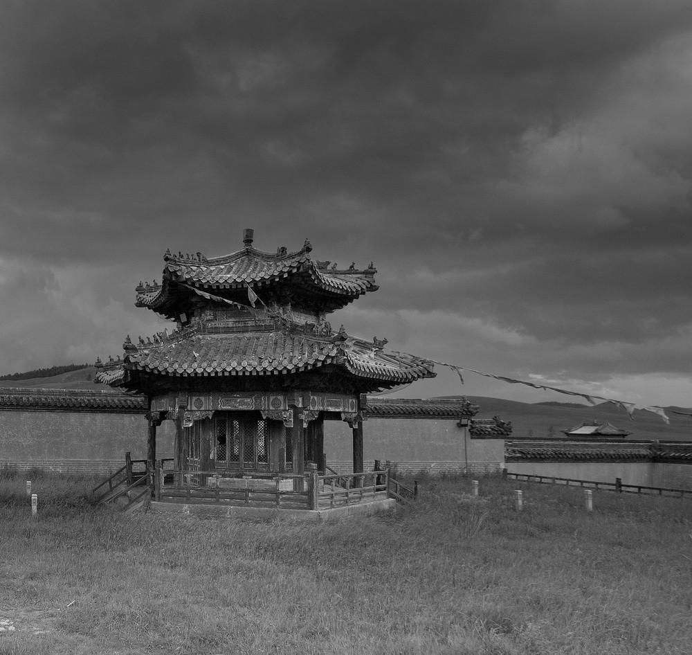 Монголия: Черное и белое
