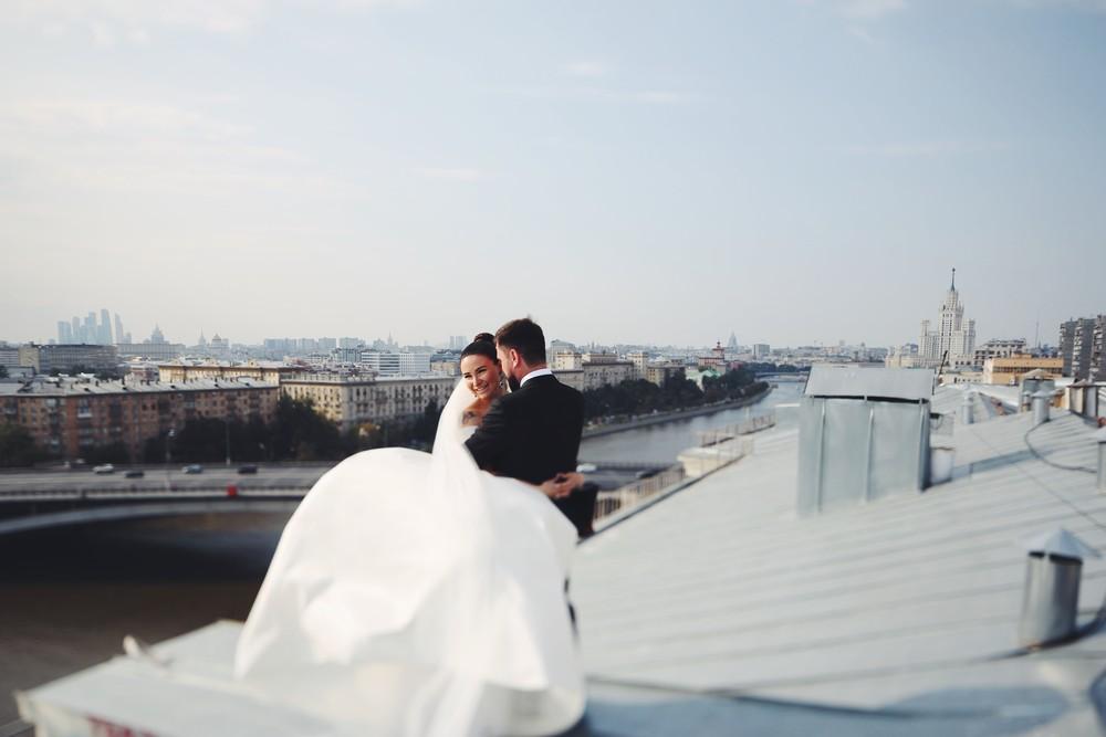 Евгений и Кристина. Крыша