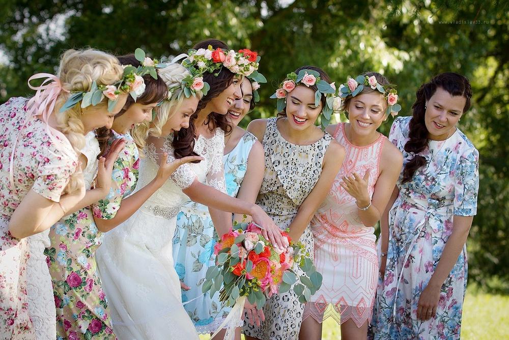 Фото с подружками невесты