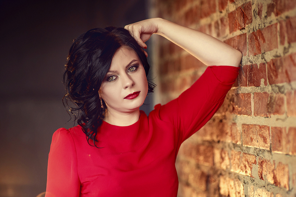 Женские портреты - Леди в красном...Наталья