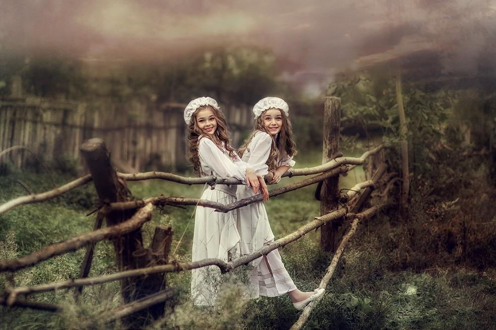 Детская фотосессия - Аня, Лера и Джесси - гости из прошлого)