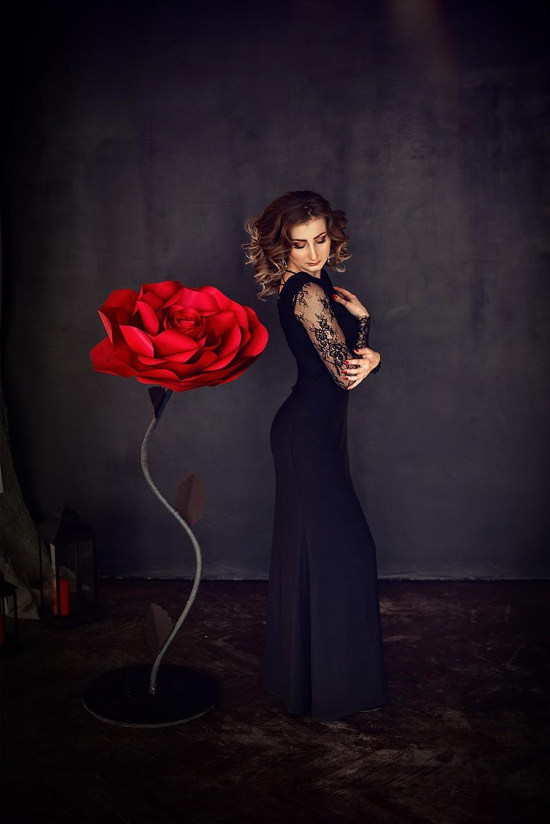 Женские портреты - Красная Роза