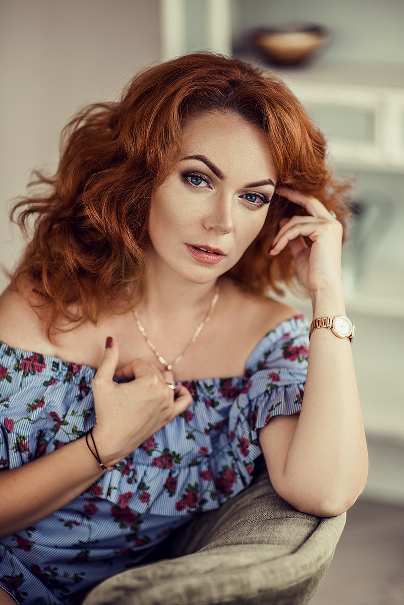 Женские портреты - Рыжая бестия