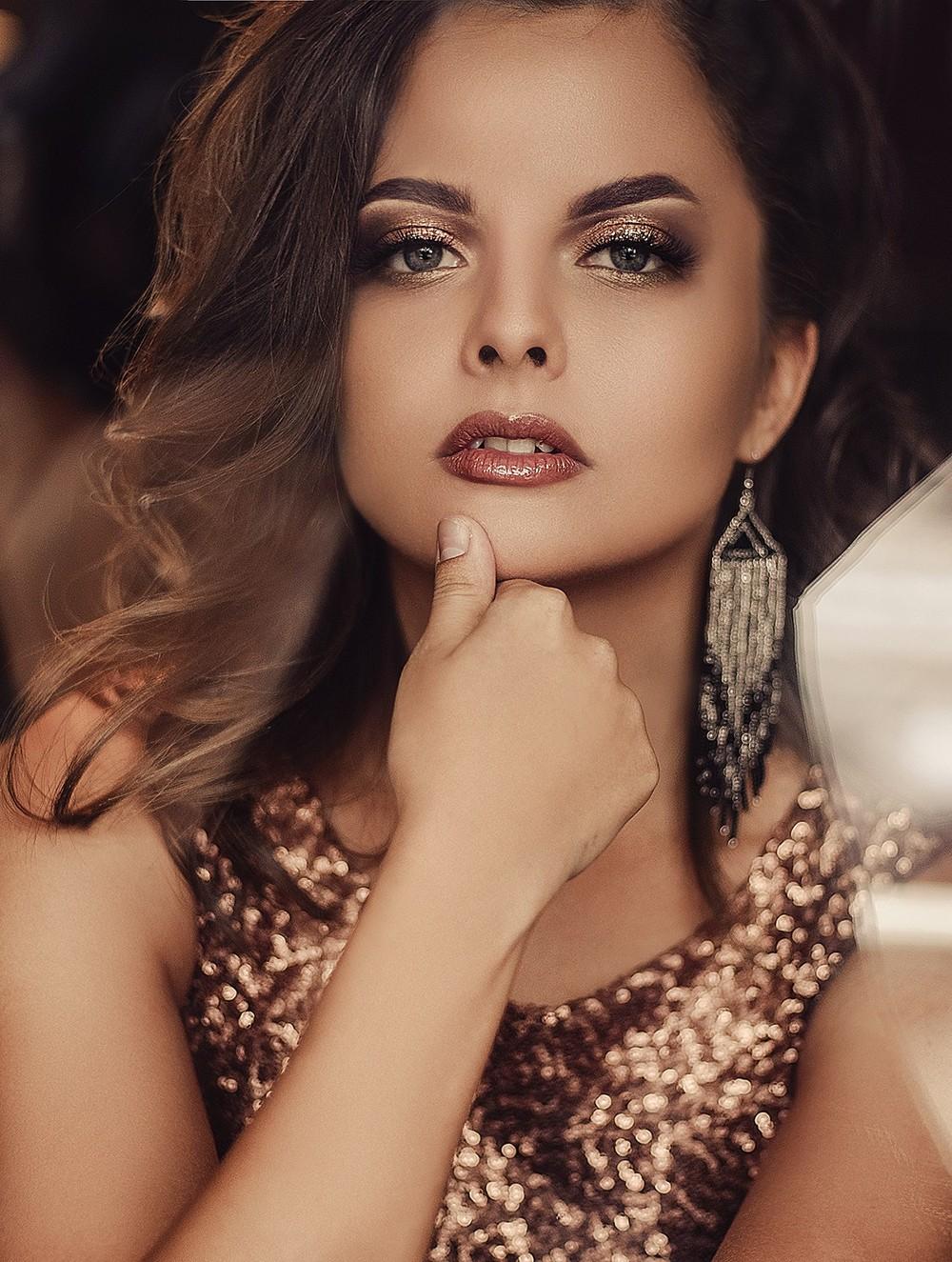 Женские портреты - Елена