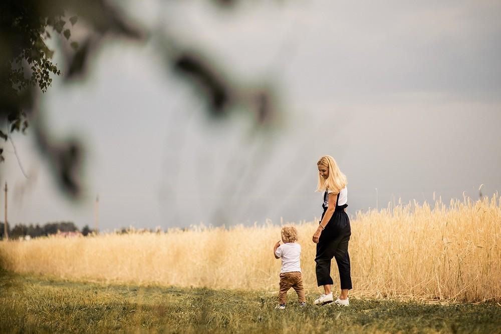 Семейные фотосессии - Кучеряшка в колосках