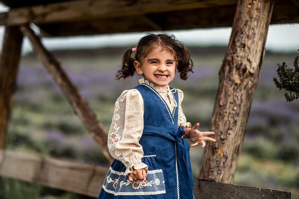 Детская фотосессия - Теона в лавандовом поле