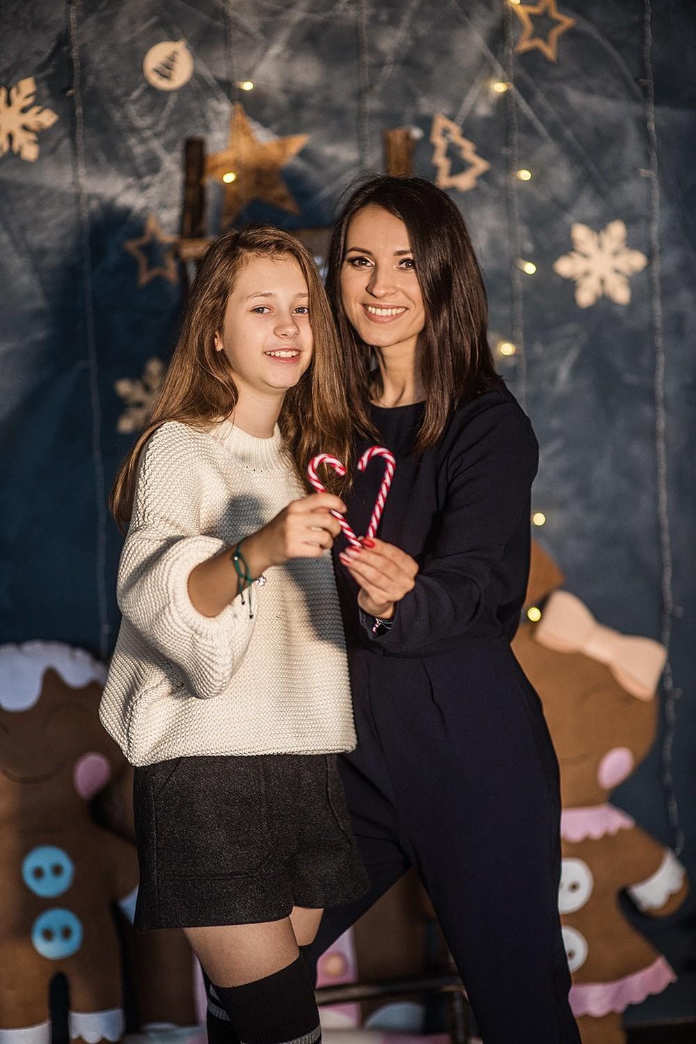 Новогодние серии - Мама и дочь