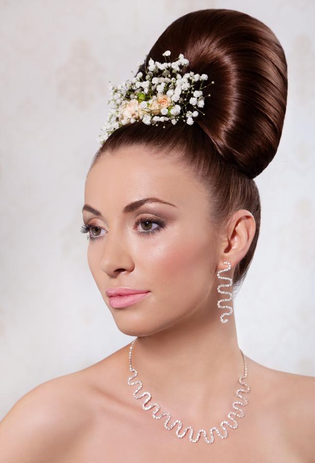 Wedding stylist