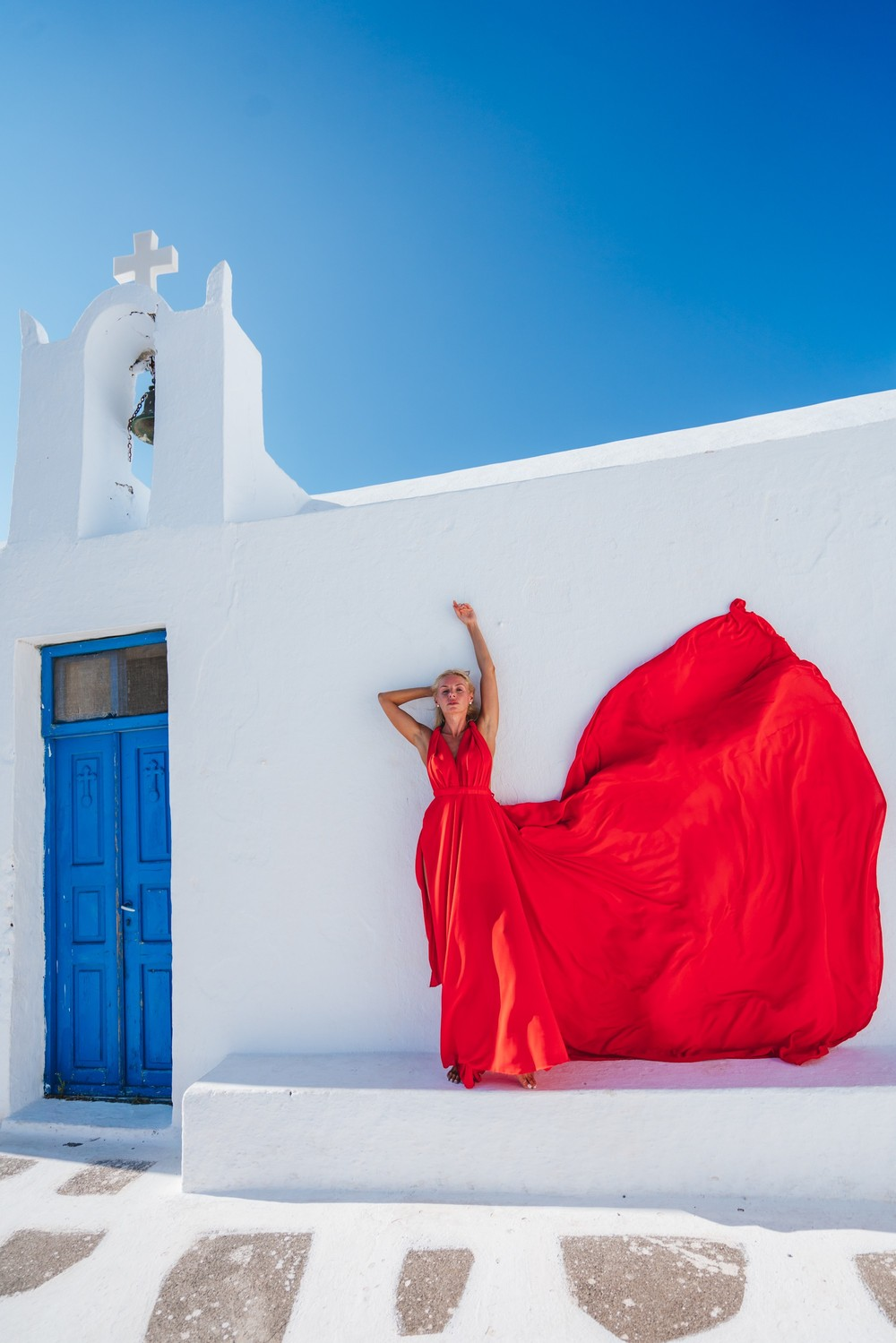 FLYING DRESSES CATALOGUE/ЛЕТЯЩИЕ ПЛАТЬЯ - RED TRANSFORMER DRESS