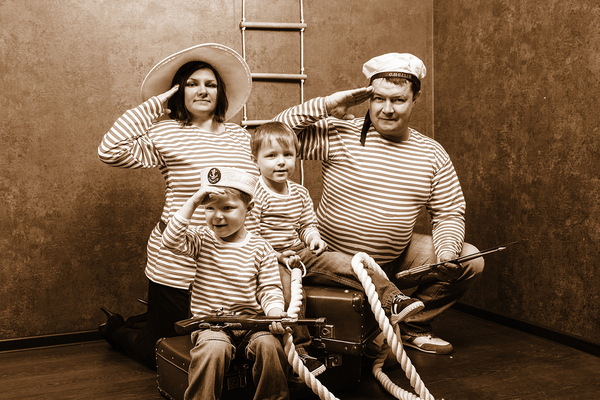Семейная  фотоссессия в  студии