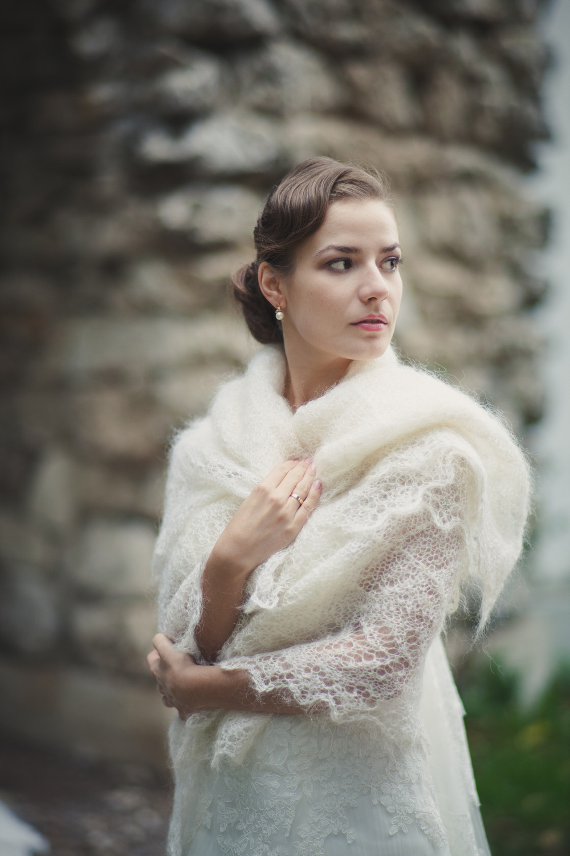 невеста в оренбургском платке