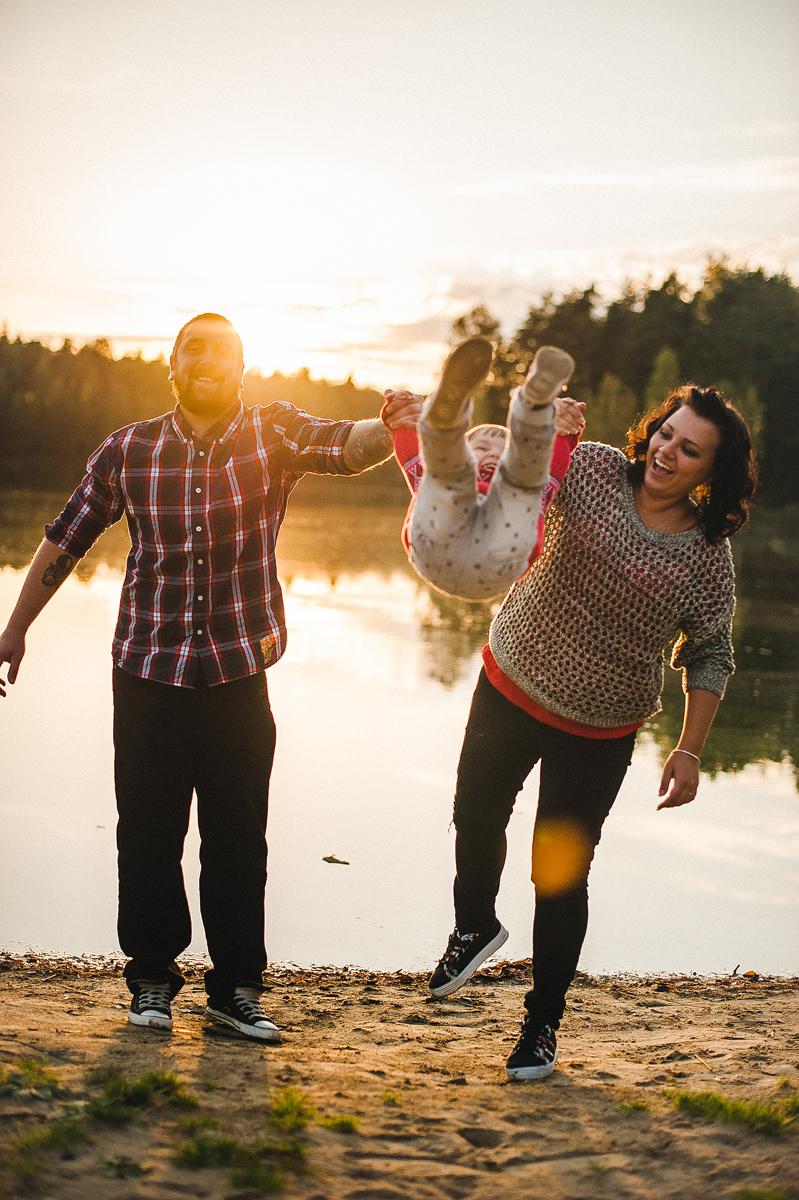 Улыбки на закате: Вика, Денис и Уля