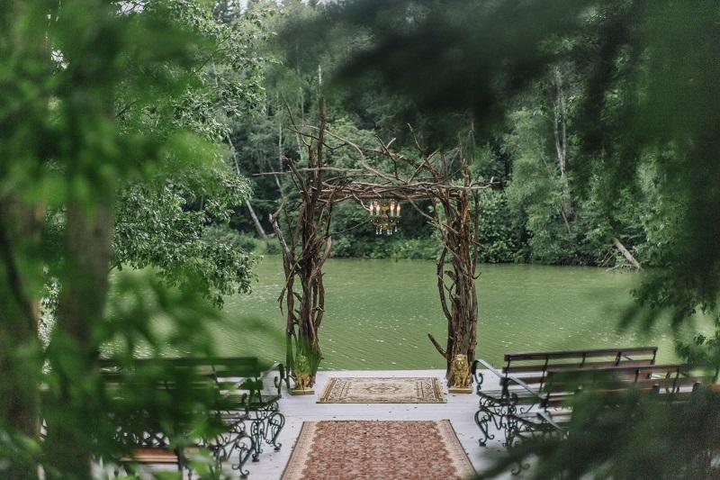 свадебная арка из коряг