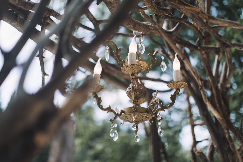 свадебная арка с люстрой