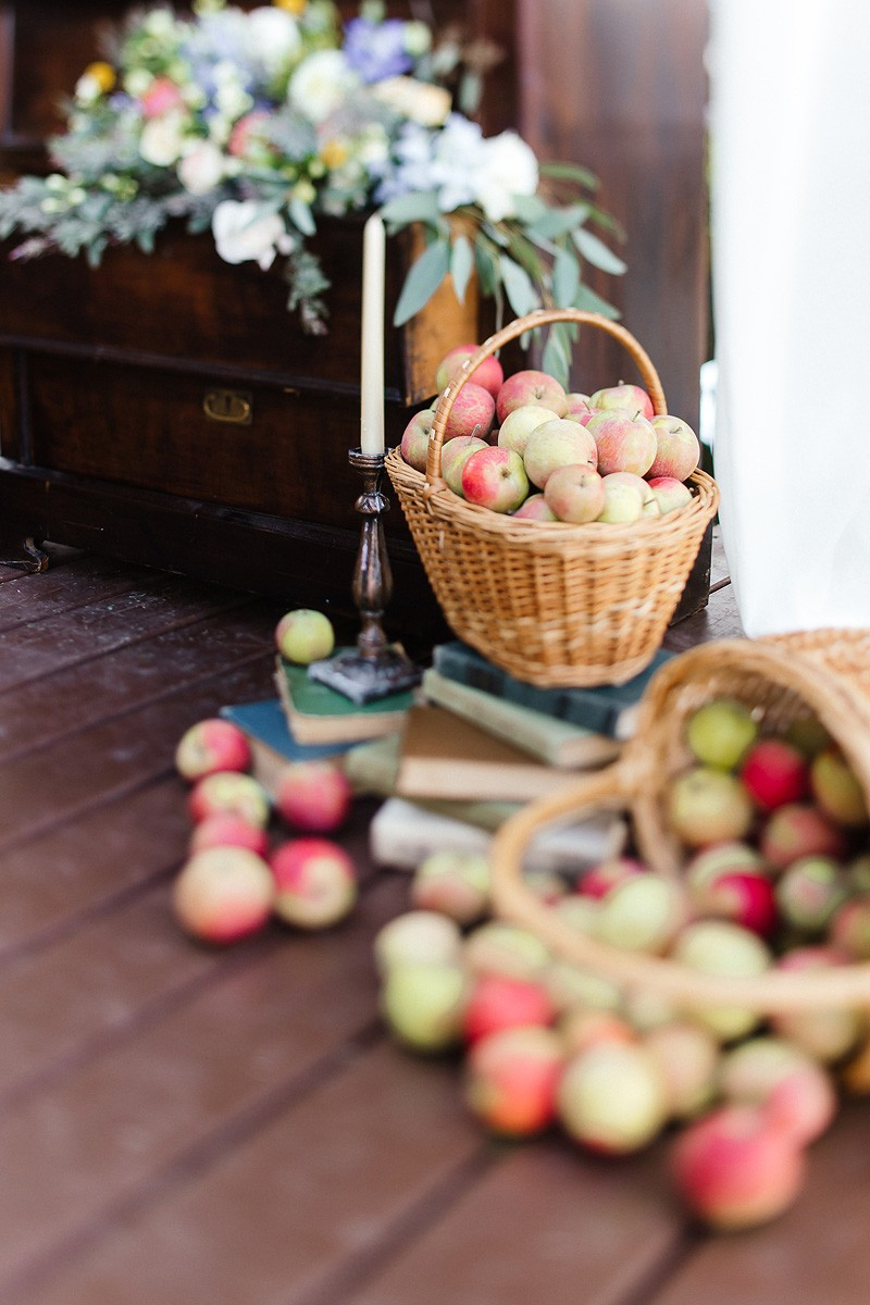 Коля ♡ Юля. Дачная яблочная свадьба