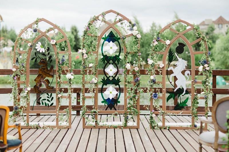 свадебная арка с витражами