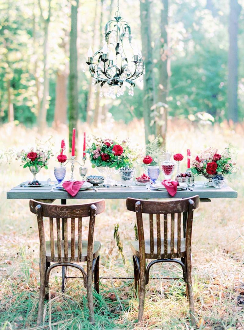 Everyday Holiday, оформление стола