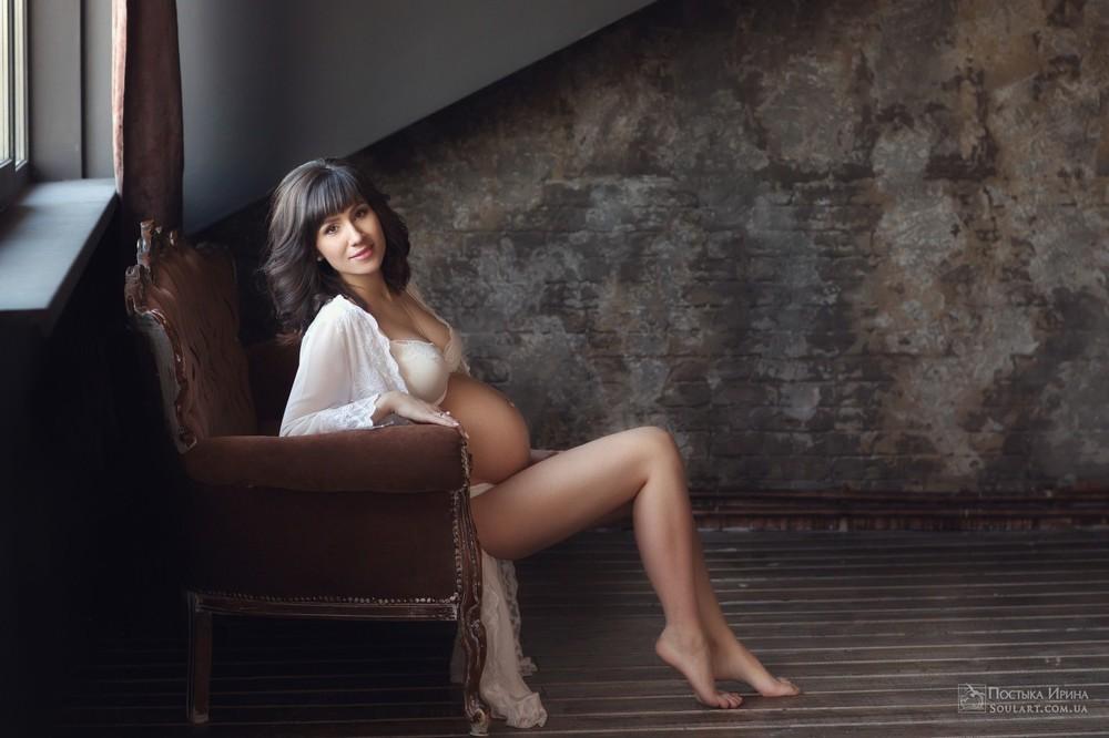 беременная фотосессия в студии Постыка Ирина
