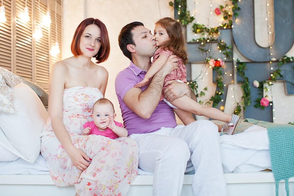 Андрей, Юлия, Василиса и Анфиса