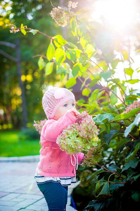 Маленькая девочка с красивым именем Мирослава