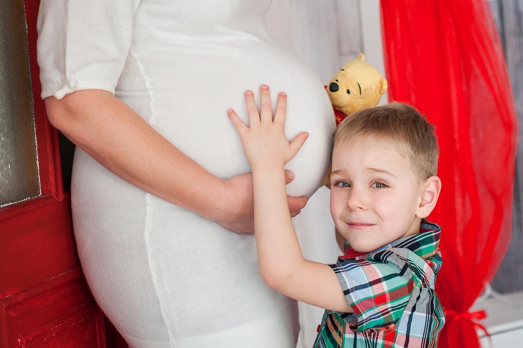 В ожидании малыша всей семьей!