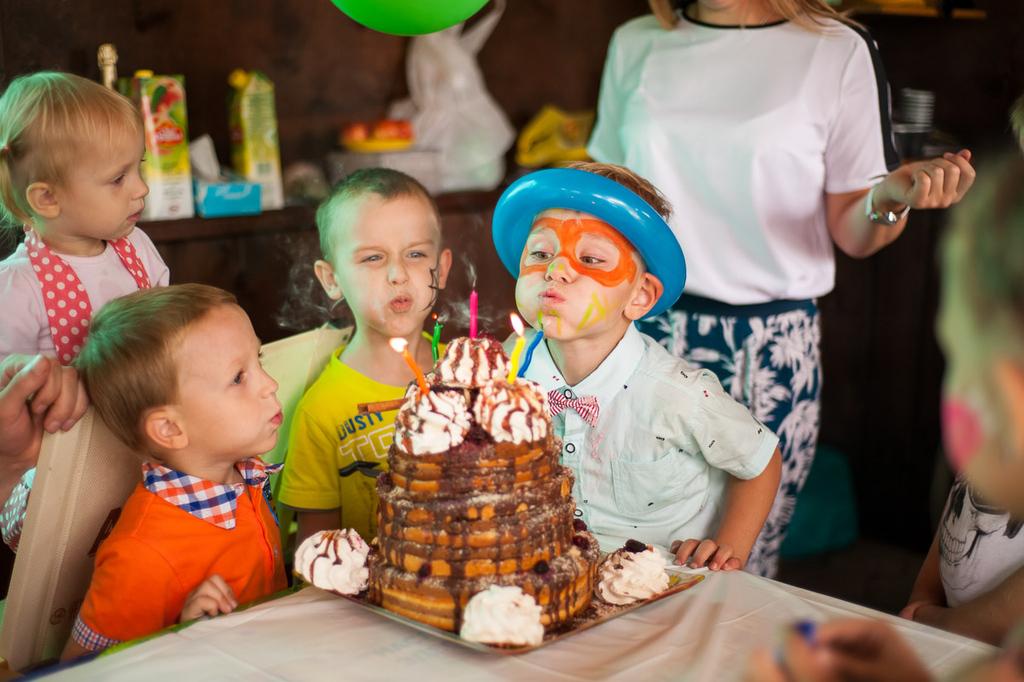 К сожаленью, день рожденья только раз в году!